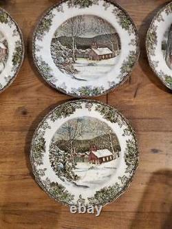10 Johnson Bros Friendly Village Dinner Plates 10 1/2
