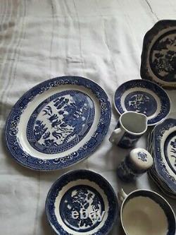 35 Pc Vintage Blue Willow Johnson Bros Made In England Hand Engraved Dinnerware