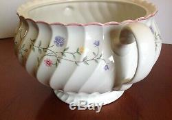 JOHNSON BROTHERS SUMMER CHINTZ Tureen w Lid NEAR MINT Made in England RARE