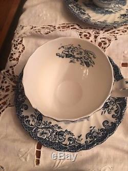 Johnson Bros England Coaching Scenes 29 Pieces Platter, Cups, Saucers & Plates