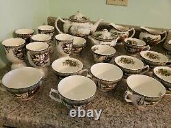 Johnson Bros Made in England Friendly Village 118 piece Dinnerware set