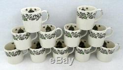 Johnson Bros Merry Christmas Punch Salad Serving Bowl 11 unused Cups Mugs in Set