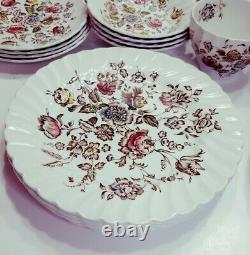 Johnson Brothers Bros Staffordshire Bouquet 30pc Serv for 4 Dinner Plates + MINT