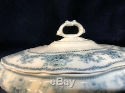 Johnson Brothers England Raleigh Covered Vegetable Bowl Blue Floral Scalloped