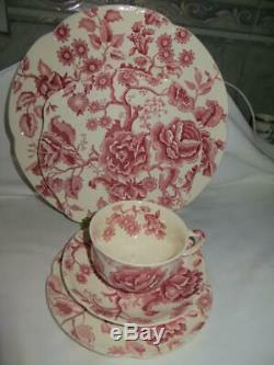 Johnson Brothers English Chippendale Red 20 Piece Set EUC