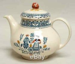 Johnson Brothers HEARTS & FLOWERS Tea Pot 277952