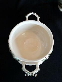 Johnson Brothers MERRY CHRISTMAS Covered Sugar Bowl & Creamer (Older)