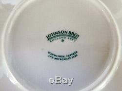 Johnson Brothers Willow Blue 13 Piece Set Contemporary Pattern with Hat Box