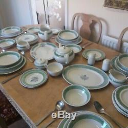 Johnson's brothers porcaline dinner service full set in excellent condition