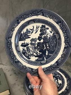 Lot Of 8 Modern Johnson Bros. Blue Willow Dinner Plate 11 Made in England