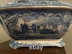 Vintage England Old Britain Castles / Blue Johnson Brothers Soup Tureen