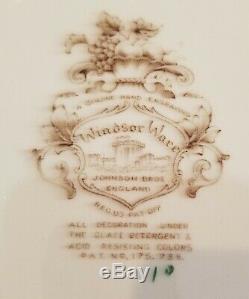 Vintage RARE HARVEST PATTERN Windsor Ware Johnson Brothers. SERVING TRAYMINT